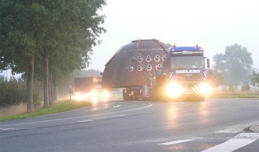 Schwertransport Morgendämmerung - KTB Buxtehude
